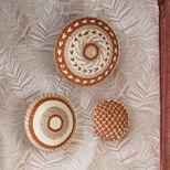 Lot de 3 décorations murales tissées terracotta