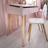 Chaise enfant blanche et rose arc-en-ciel