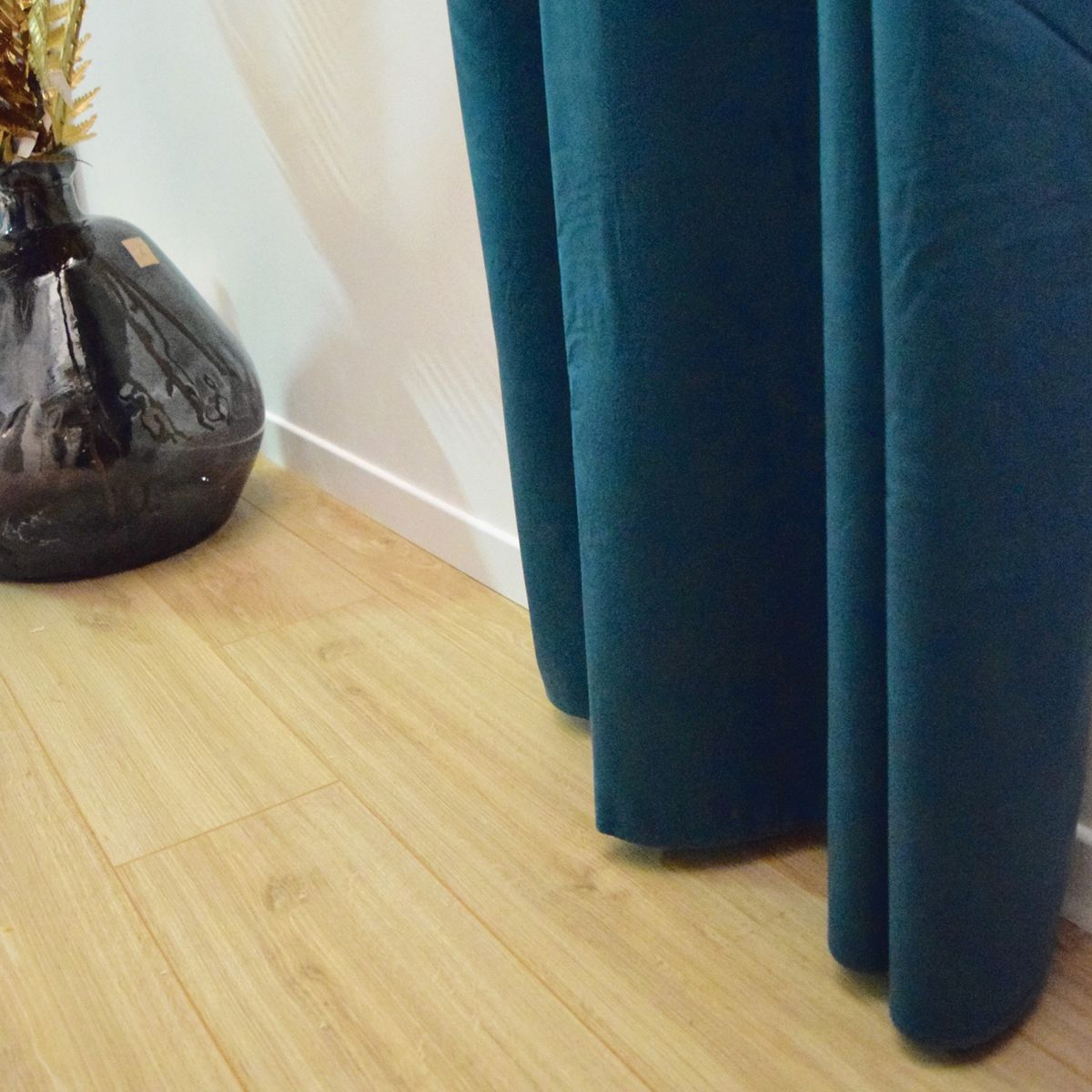 Rideau occultant en velours uni bleu canard 140x260 cm